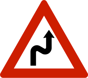 Traffic sign of Norway: Warning for a double curve, first right then left