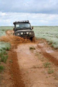 Техника езды по бездорожью и грунтовым дорогам